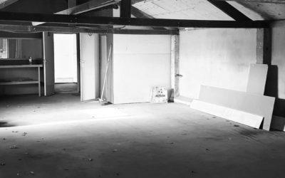 Dit is de nieuwe 'werkplaats' van Rook & Roll! Nog heel wat werk te verzetten, maar zie je het al een beetje voor je? Wordt heel tof