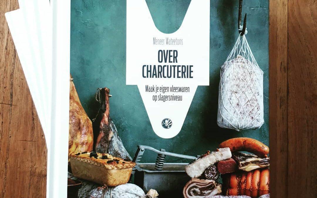 Jaaa, het nieuwe boek van meneer @wateetons is binnen: Over charcuterie. Met dit boek maak je voortaan zelf je vleeswaren